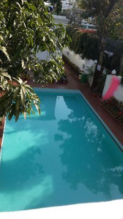 Hotel Gandhara: The swimming pool