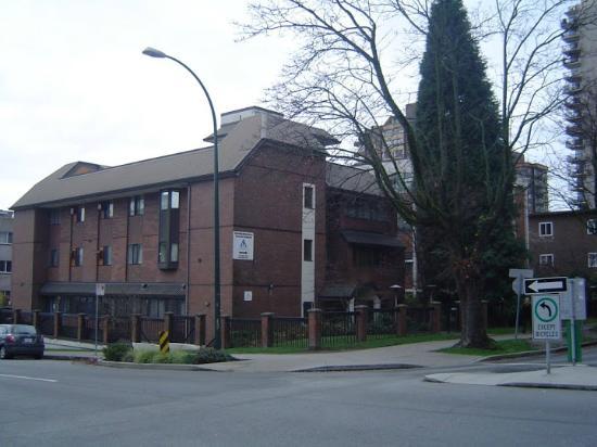 Hostelling International Vancouver Downtown : Frente do Hostel