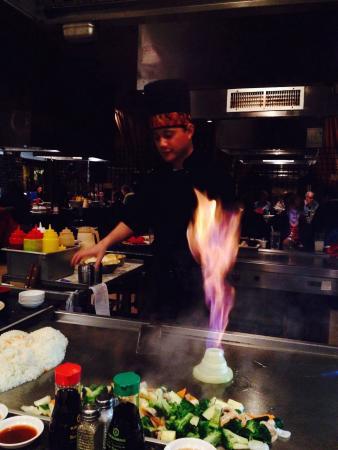 Osaka Hibachi Grill and Sushi Bar: Entertaining