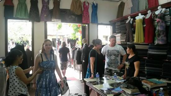 Cloth shop hanh hung ii