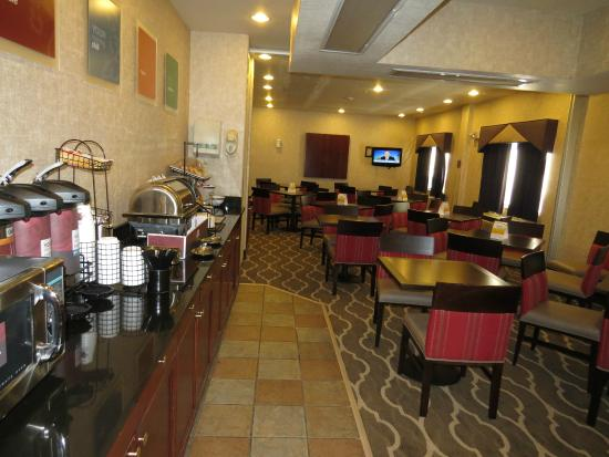 Comfort Inn North - Air Force Academy Area : Breakfast Room (Free Hot)