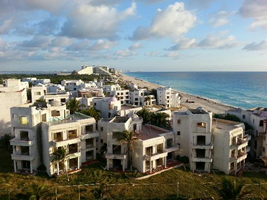 Crown Paradise Club Cancun: View of the old El Pueblito resort from our balcony.