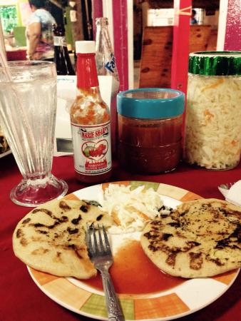 Pupuseria Salvadoreno: Pupusa slaw & sauce is on every table.