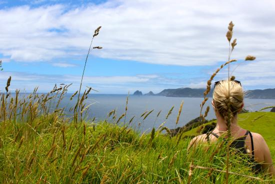 Bay of Islands Sailing/Gungha II: Hike on the Island.. barefoot and beautiful