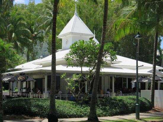 The Reef House Palm Cove - MGallery by Sofitel Collection: One of many Local Cafe/Restaurants