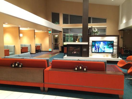 Residence Inn Denver Cherry Creek: Lobby