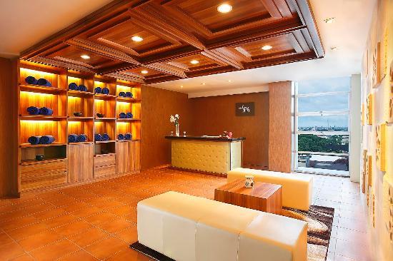 Hotel Santika Makassar: The Spa