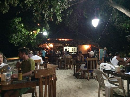 Koh Ngai Camping Restaurant: The restaurant