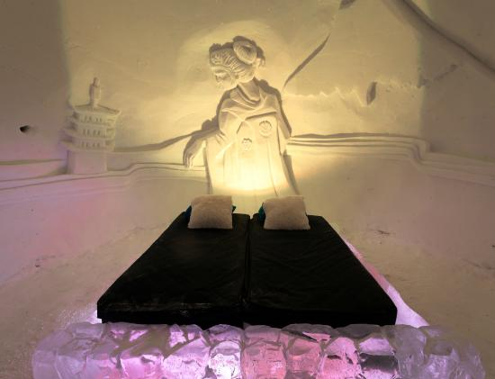 Kirkenes Snowhotel: One of the igloo rooms - tunliweb.no