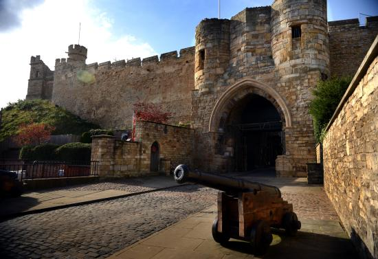 Hotels Near Lincoln Castle