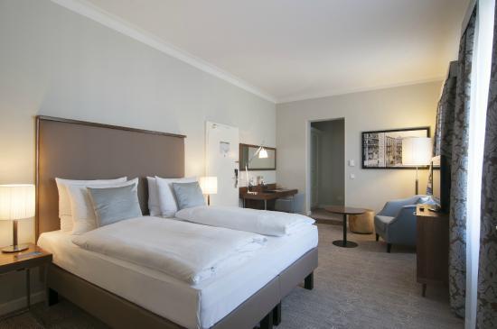 래디슨 블루 슈바르처 보크 호텔