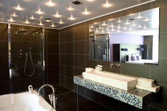 Badkamer Glamour Loft - Foto van Van der Valk Hotel Arnhem, Arnhem ...