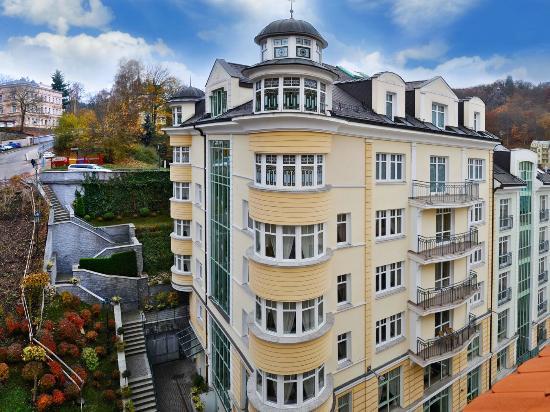 KARLSBAD GRANDE MADONNA Spa & Wellness hotel: Hotel Aura Palace