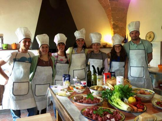 Arianna & Friends Day Tours : A small group cooking class at our cooking school