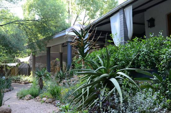 Die Ou Pastorie Guest House & Restaurant