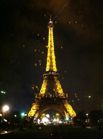 Foxity Bus Tours: Torre Eiffel