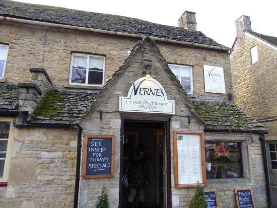 Vernes Restaurant & Tea Rooms: 外観