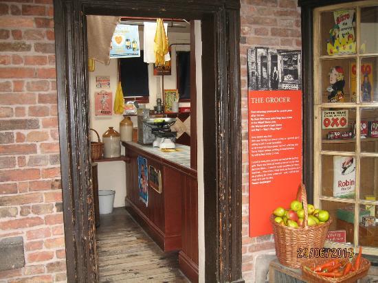 Newarke Houses Museum & Gardens: Newarke Houses Museum - entrance to Period Shop.