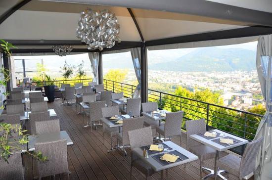 Terrasse photo de restaurant du t l f rique grenoble for Restaurant bastille terrasse