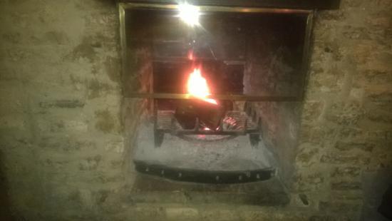 The Lamb Inn: Fireplace