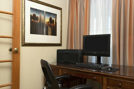 Country Inn & Suites By Carlson, Toledo: Business Center