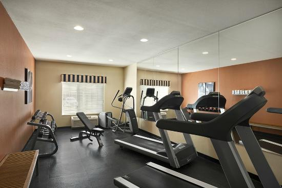 Country Inn & Suites By Carlson, Toledo: Fitness Center
