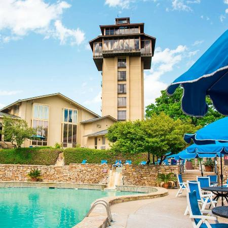 Tanglewood Resort and Conference Center: Poolside and our Tower