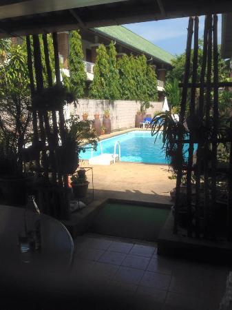 First resort albergo: scorcio piscina