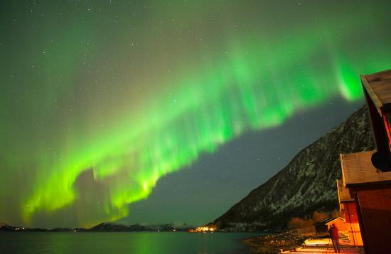 Lauklines Kystferie: beautiful northern light from Lauklines