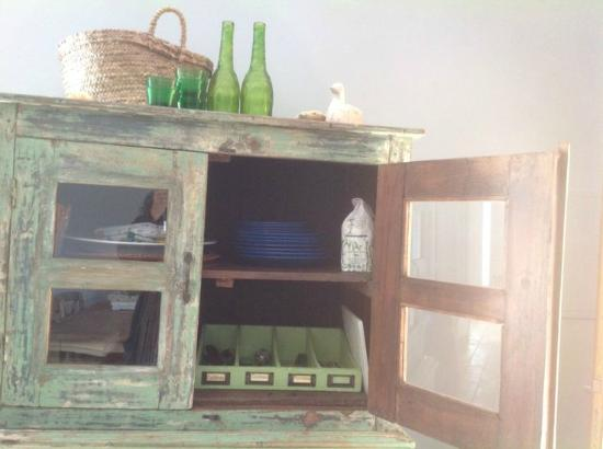 Quinta Rosa Amarela: Studio Cupboard