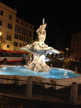 Hotel Anglo Americano : Brunnen bei Piazza Barberini direkt naben dem Hotel