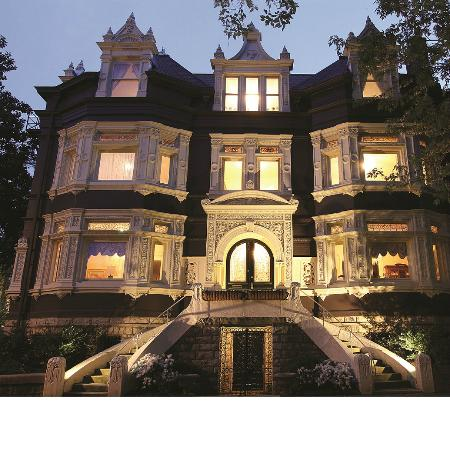 Old Louisville: Belgravia Court's Stunning Chateauesque Mansion