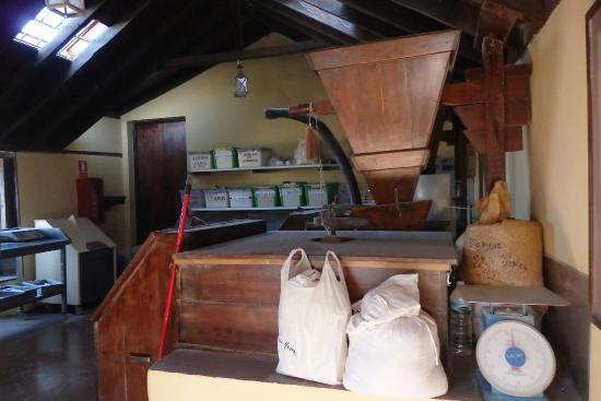 Antiguos Lavaderos: Mill with flour bags