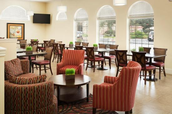 Wingate by Wyndham San Marcos: Lobby