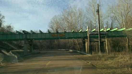 Eureka, MO: Old Route 66 Bridge framework