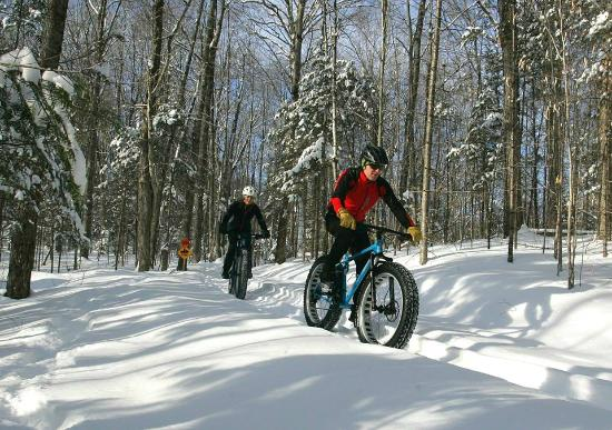 Lyndonville, Βερμόντ: Fat Biking on Kingdom Trails (on property)