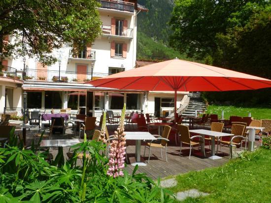 Hotel l'Aiguille Du Midi : Terrasse Fleurie