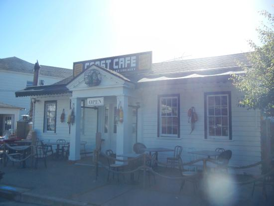 Coast Cafe: Front of Cafe