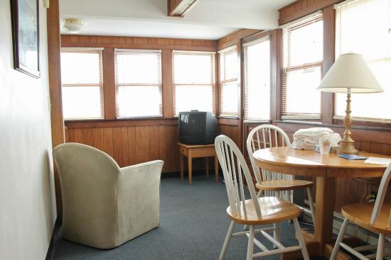 York Harbor, ME: Cottage 32
