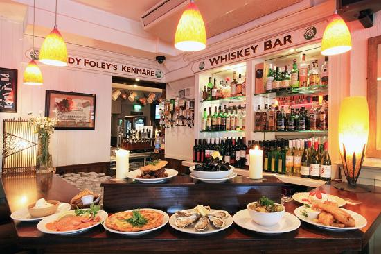 Foleys Guesthoues & Self-Catering Holiday Homes: whiskey & traditional food