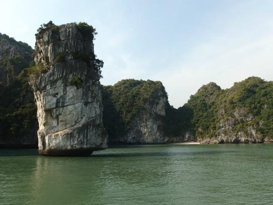 Ocean Tours: Halong Bay Cruise