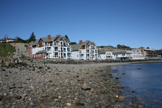 Low tide at Tides Inn
