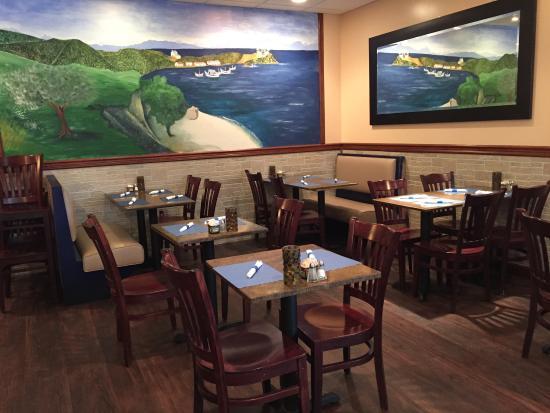 The Olive Tree Greek Mediterranean Grill: Dining Room