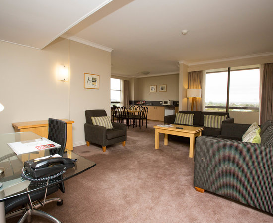 The Two Bedroom Suite at the Rydges North Sydney