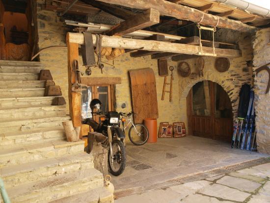 5207099c05a6f patio interior - Picture of Casa Rural o Porron