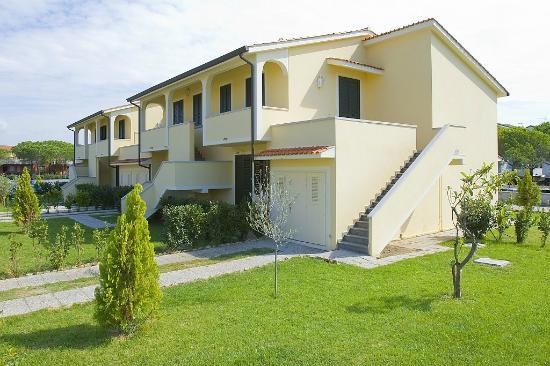esterno picture of casa vacanze villetta dino vada