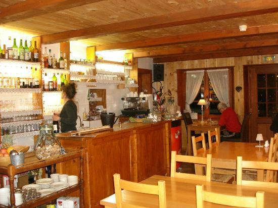 Verrières de Joux, France : le bar