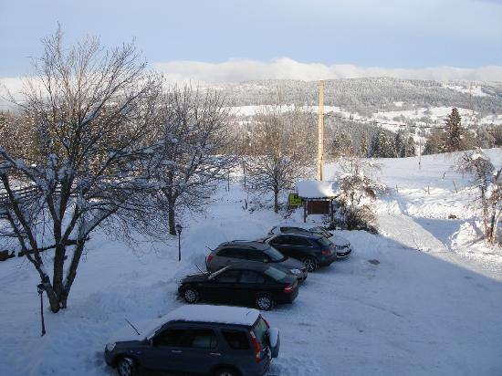 Verrières de Joux, France : le parking