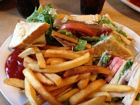 Michaels Kitchen Cafe & Bakery: $7 Lunch specials