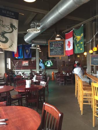 Blue Heron BrewPub: Brew Pub dining area!